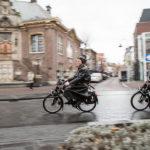 Solex_rijden_Zandvoort_Rabbel_stadhuis